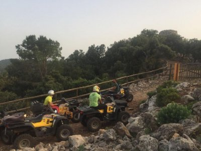 Escursione in quad a Ulassai di 4 ore