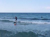 petites vagues pour petits surfeurs