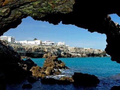 Polignano Sea Caves boat tour 90 minutes