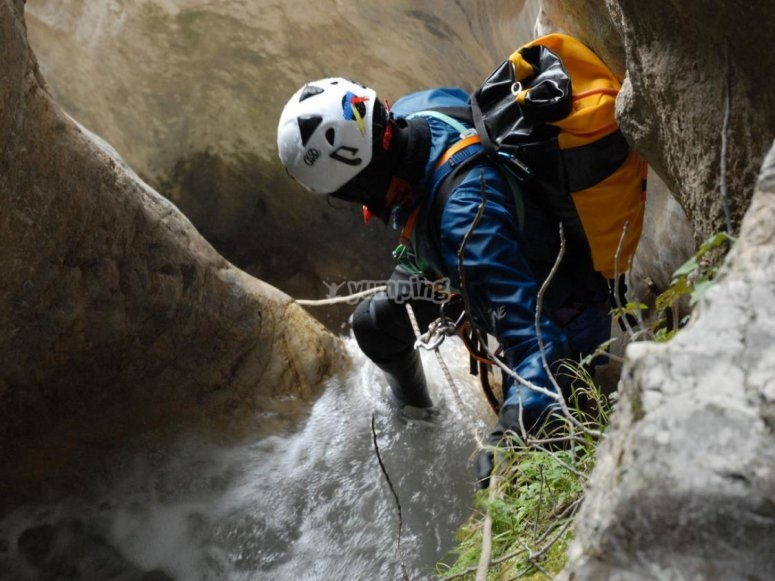 canyoning on the rocks