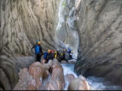 Canyoning intermedio a Bagno di Romagna 6 ore