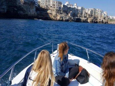 Escursione in barca a Polignano a Mare di due ore