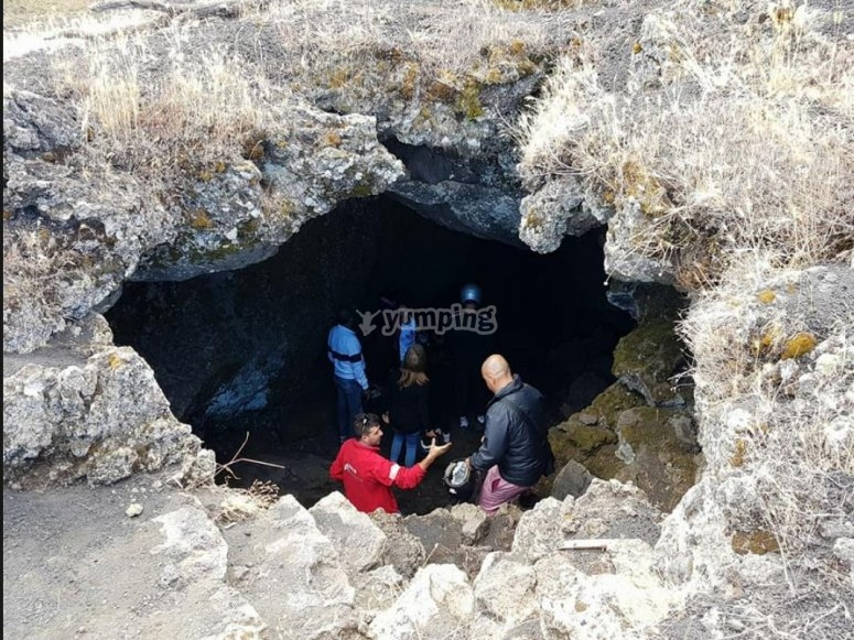 visita della grotta a scorrimento lavico