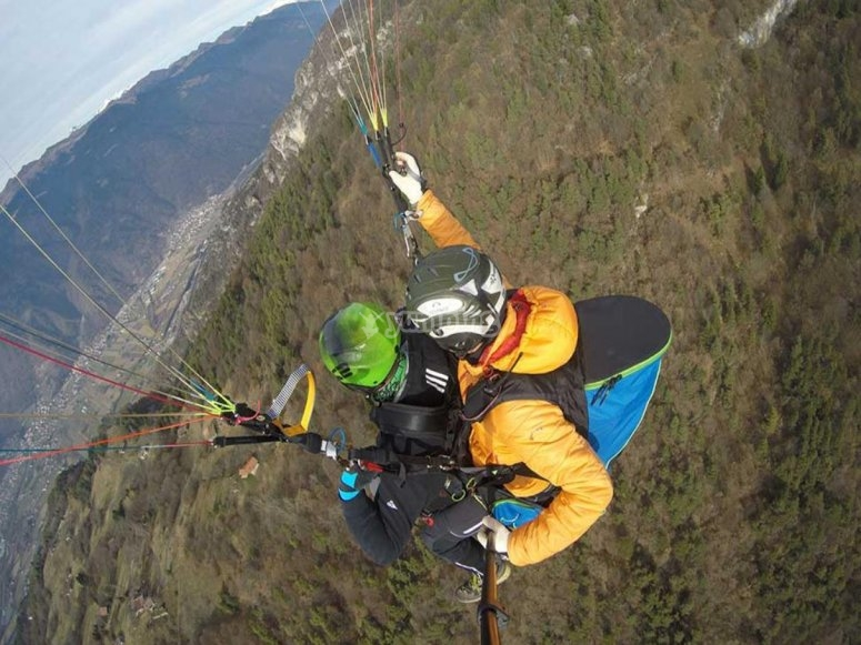 paragliding in Lombardy