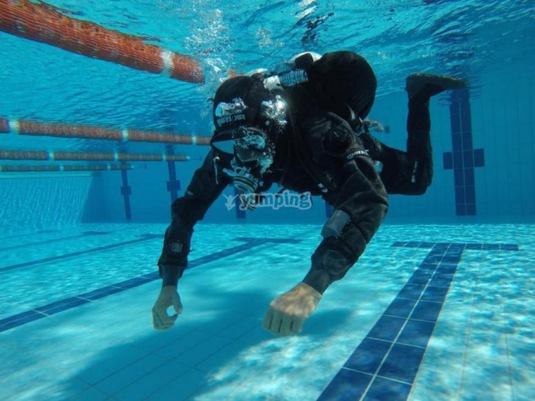 course in the swimming pool
