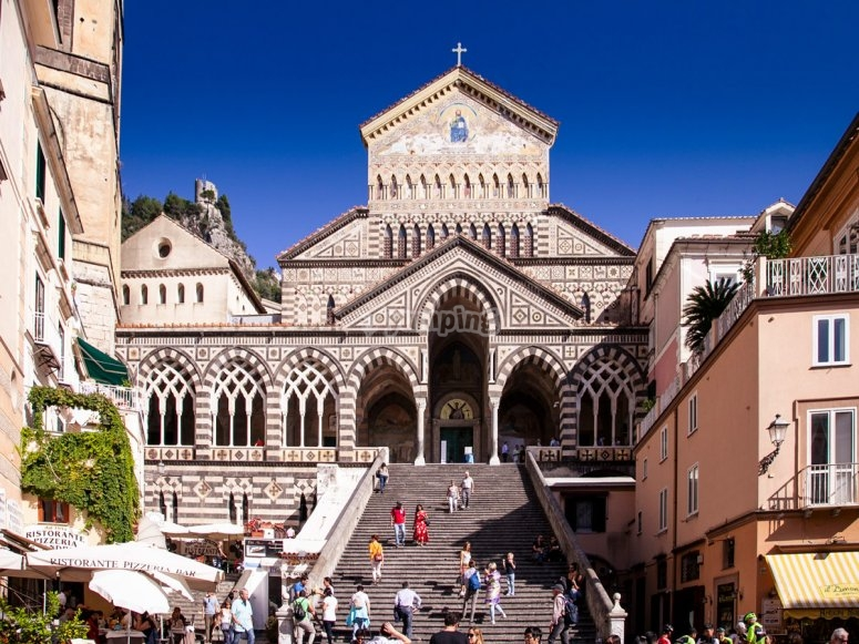 Facade-of-the-Cathedral-of-Amalfi