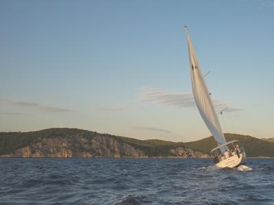 Sailboat tour in Marina di S. Marinella 9 hours
