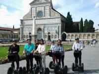 Davanti a un'ltra magnifica chiesa fiorentina -  S.M. Novella