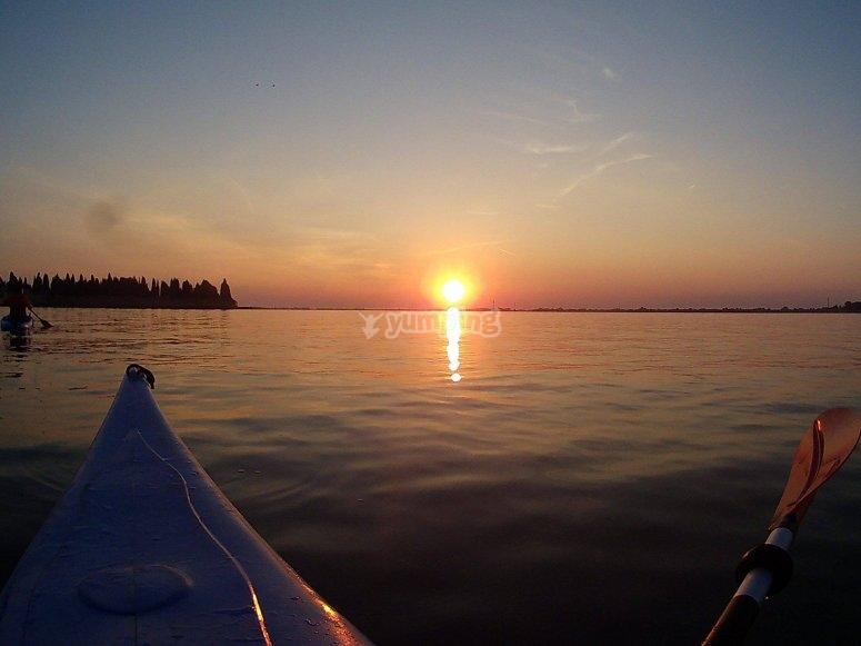 Splendido tramonto in kayak