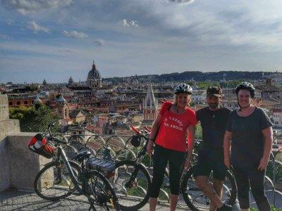 Tour in e-bike a Villaborghese (Roma) di 3 ore