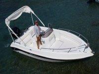 A boat expert