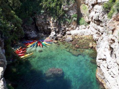 Kayak tour to the baths of Queen Giovanna 3 hours