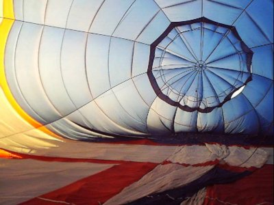 1 hour balloon flight to Castel del Monte