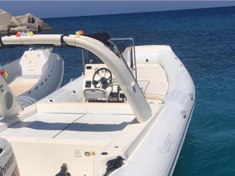 8-seater dinghy