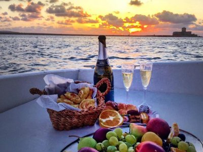 Aperitif on boat in the bay of Seiano 4 hours