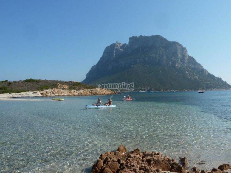 scopri l'isola in kayak
