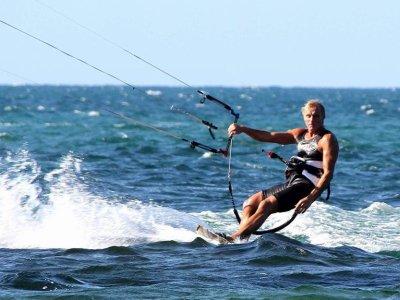 Kitesurfing lesson in Bari of 1 H