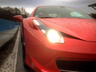 Due giri in Ferrari 458 pista Varano de' Melegari