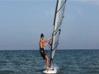 Noleggio di windsurf a Bellariva di 1 ora