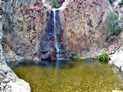 Escursione di canyoning a Riu'e Forru di 4 ore
