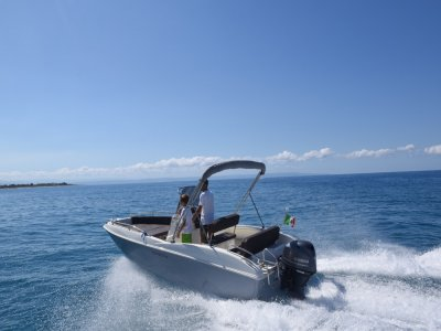 Noleggio barca senza patente Golfo di Gioia 8 ore