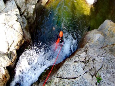 Escursione di canyoning a S'Orcu di 6 ore
