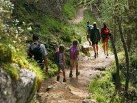 Trekking al Castello Galluppi per bambini di 4 ore