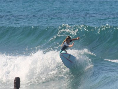 Lezione di surf nel Golfo di Palermo di 1 ora