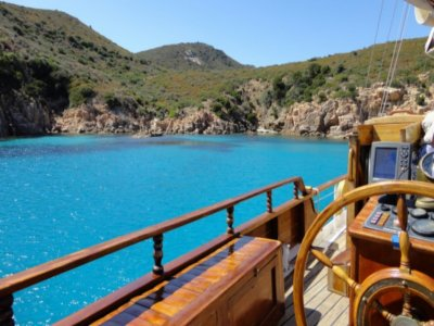 Boat tour with lunch in Chia 8 hours