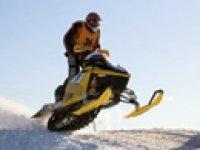 Sulla neve in motoslitta