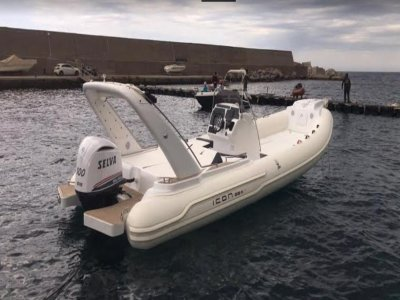 Dinghy rental with skipper Gulf of Palermo 8h