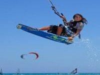 Il kitesurf piace anche alle donne!