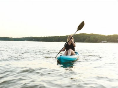Single kayak rental in Bosa 2 hours