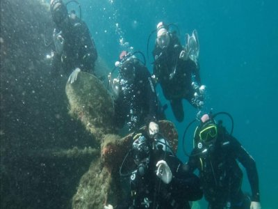 Scuba diving with Isola Bella patent 3h