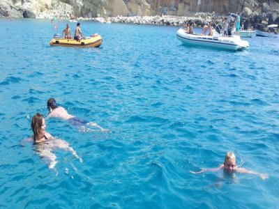Excursion en bateau de 2 heures à Baia del Turchi