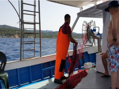 Boat excursion with fishing in Teulada 8 hours