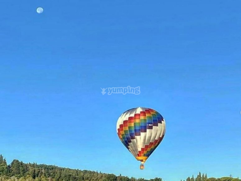 balloon in the sky of lombardy