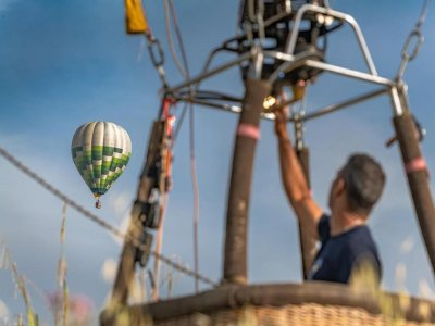 Private hot air balloon flight south of Milan 1 hour