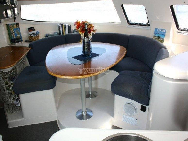 Interni Catamarano