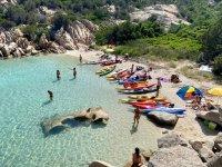In kayak in Sardegna