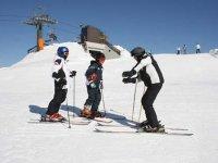 Ti insegnamo le basi dello sci
