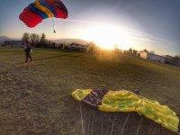 Saltare con il tramonto