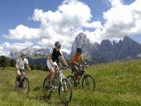In bici in Val Gardena