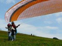Landing in tandem flight