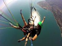 Parapendio sul Lago di Garda