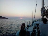 Goditi queste viste sulla nostra barca a vela
