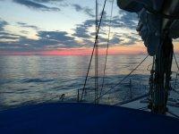 Un bel tramonto con la vela