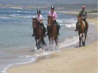 A cavallo sulla costa sarda