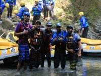 Foto di gruppo in acqua