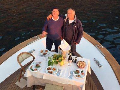 Amici delle eolie Escursione in Barca